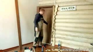 видео Установка входной двери в деревянном доме