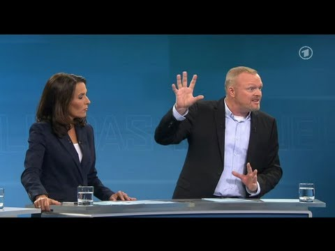 stefan raab beim tv duell 2013 mit merkel und steinbr ck. Black Bedroom Furniture Sets. Home Design Ideas