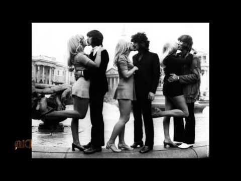 Carly Rae Jepsen - Call Me Maybe - 60's Lounge Music