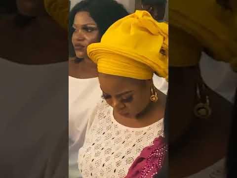 Download King Dr. Saheed Osupa Electrifying Performance with All Stars Yoruba Artists