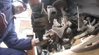 Как снять и смазать передний подшипник ступицы chrysler Dodge