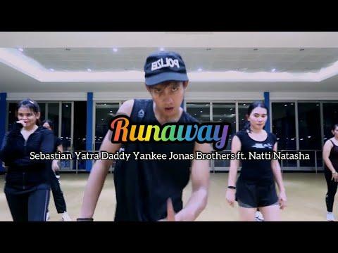 Sebastian Yatra Daddy Yankee Jonas Brothers - Runaway ft Natti Natasha ZUMBA  FITNESS Balikpapan