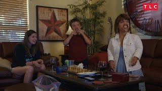 Amy Visits Matt and the Kids for an Awkward Game Night | Little People, Big World