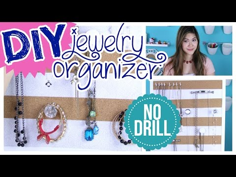 room-organization:-diy-jewelry-organizer-for-hanging-necklaces-and-bracelets-|-decorateyou
