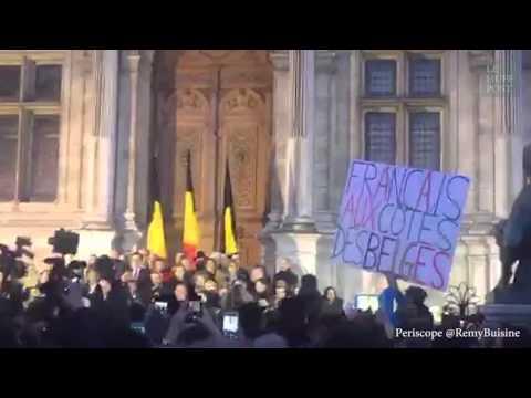 Paris rend hommage à Bruxelles après les attentats