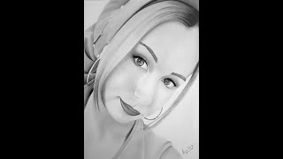 Karakalem portre çizimi.(Gerçekçi)