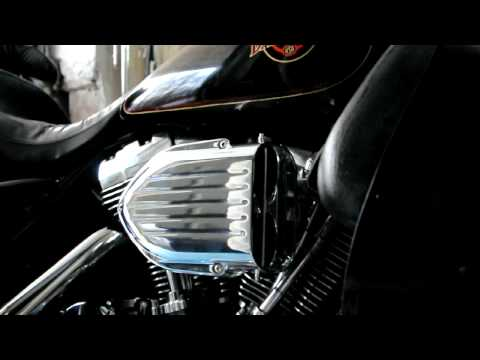 Harley Davidson FLHTCI with Kuryakyn Hypercharger Pro-Series Air Filter