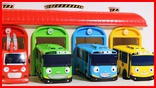 小巴士TAYO  消防車 公交車 佩佩猪 去遊樂場的玩具故事