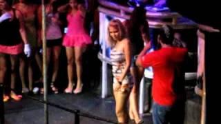 Concurso De Baile Por Un POMO En BullDog Cancún 5/6