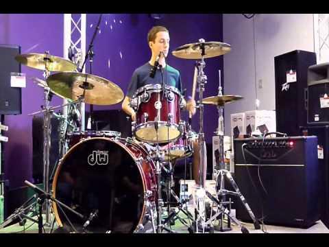 josh wins drum set competition at the guitar center youtube. Black Bedroom Furniture Sets. Home Design Ideas