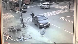 Полное видео с места ДТП 06 10 2013 г  Казань ул  Московская Парижской Коммуны