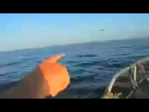 UFO Dives Into Ocean To Escape Military Jets!
