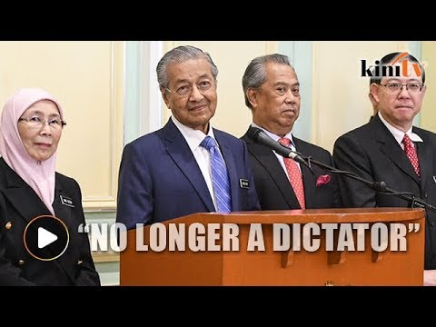 Dr Mahathir jokes about dictatorial past