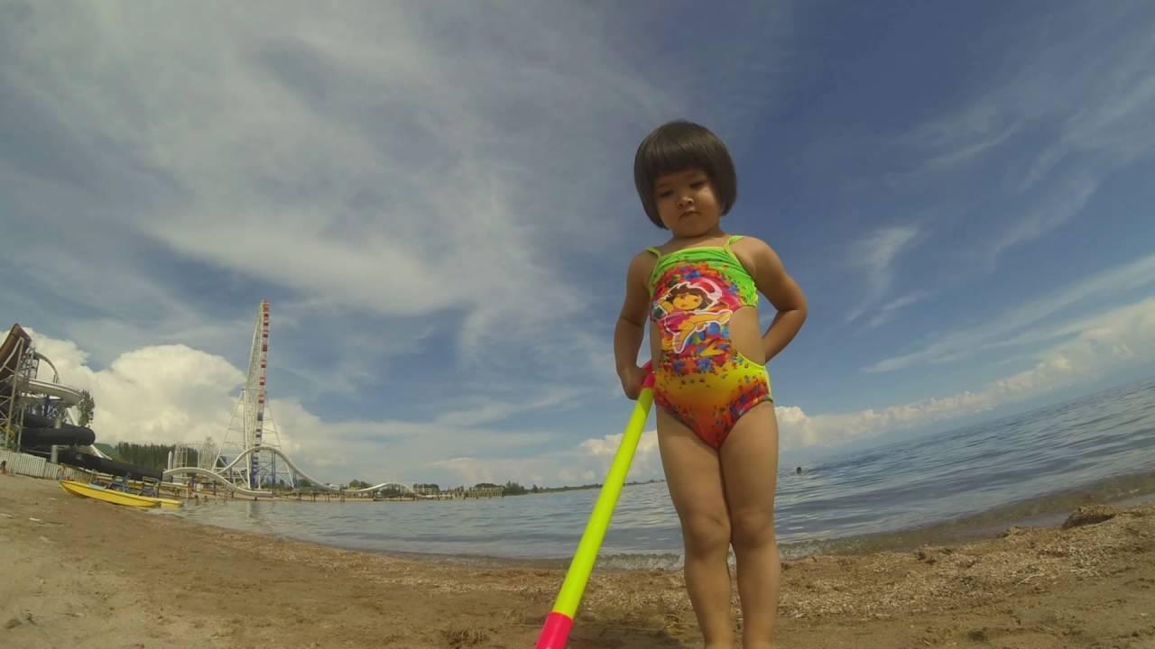 сойер видео в душевой пляж