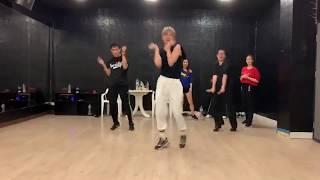 Latin dance - baila baila