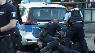 Polizisten in Berlin angegriffen - ein Polizist schwer verletzt - 4 Festnahmen