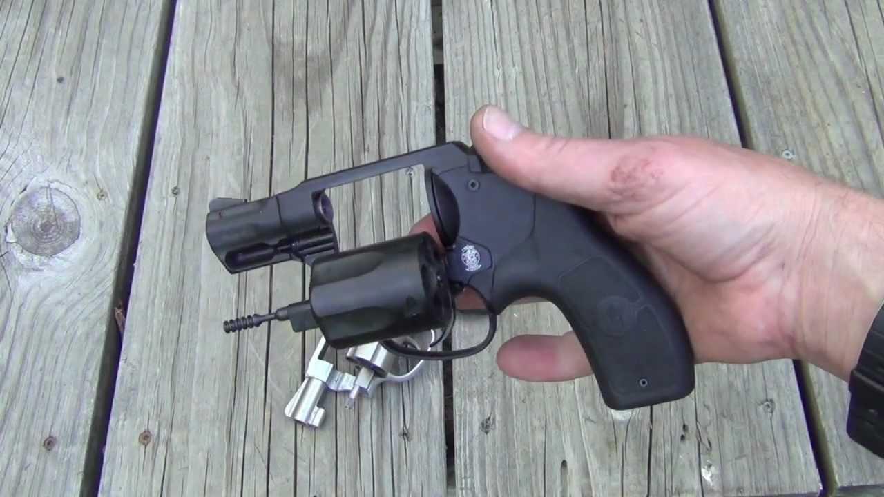 S&W 642 vs  S&W bodyguard  Two great  38 special revolvers!