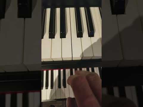 Yamaha moxf8 and Roland Juno Ds88 keyboard mechanical noise comparison