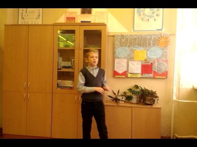 Изображение предпросмотра прочтения – РоманОсин читает произведение «Свинья под дубом» И.А.Крылова