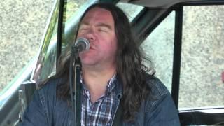 Dave McHugh performing