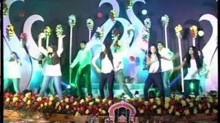 Shravs Friends dancing @ the legendary sangeeth of abhi and shravanti 2