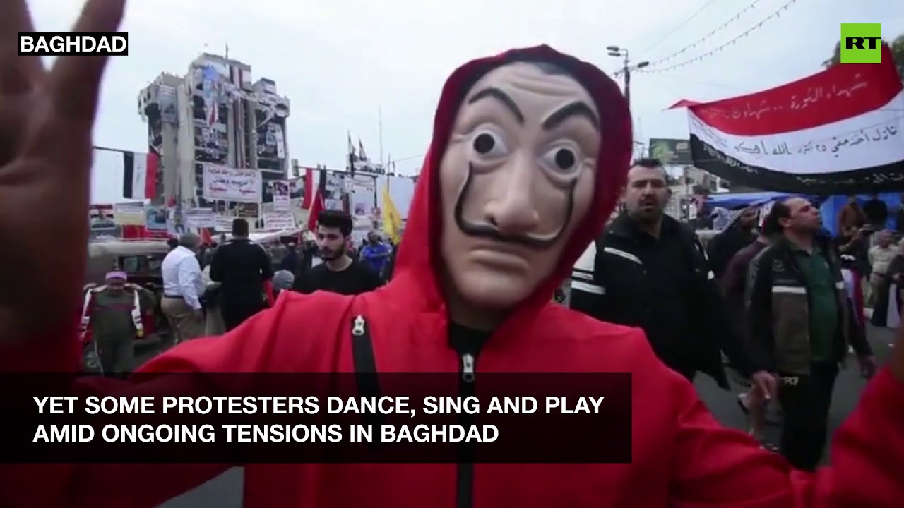 Iraq unrest: Violent clashes, Molotov cocktails and dancing