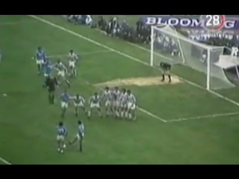 0ee4d5d2c36c4 Napoli - 30 anni fa la magica punizione di Maradona (03.11.15) - YouTube