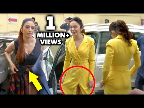Tabu Angry REACTION On Media Reporters While Adjusting Her Dress | Rakul Preet Singh