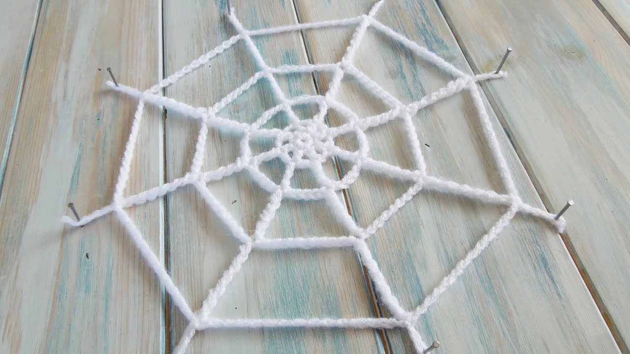 (crochet) How To Crochet a Spider's Web - Yarn Scrap Friday - YouTube