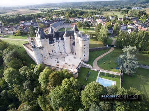Castle for sale by LEGGETT real estate France ref 58805CS36