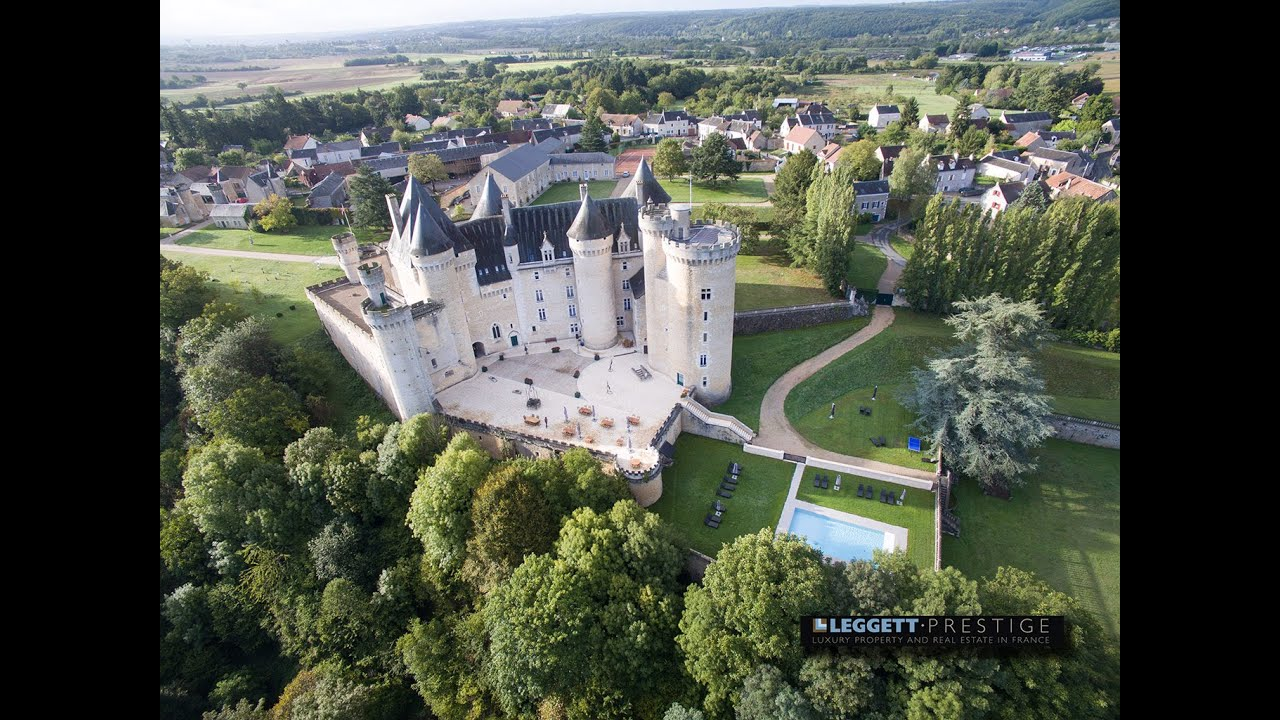 Castle for sale by leggett real estate france ref 58805 for Castle mansions for sale