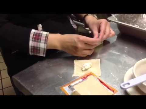 how-to-wrap-crab-rangoon!