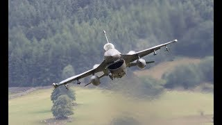 """Mach Loop 2018 - Aviano F16 """"Buzzards"""" and friends drop into the low fly! (Full sound - HD)"""