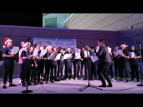 Innovation Middle School Pd. 3 Girl's chorus - Christmas Caroling at UCF's Light it Up!