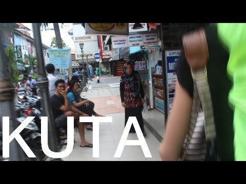 2 guys tries to rip us off in KUTA, BALI!!