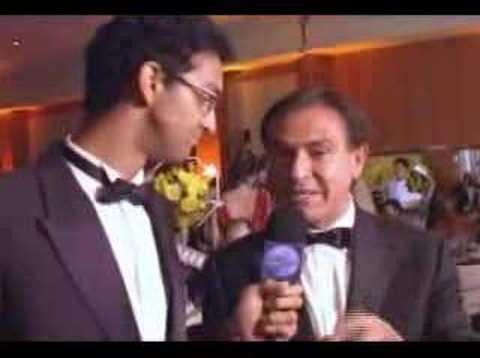 Brigas na TV: Amaury JR. bate no microfone do QAR