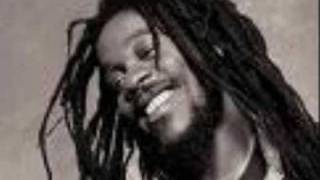 DENNIS BROWN ---- RIBBON IN THE SKY