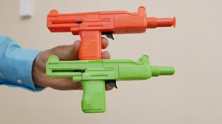 Toy physics- two toy dart gun discrepant event // Homemade Science with Bruce Yeany