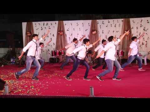 Funny Dance Performance In Marriage Sangeet | Chawat | Comedy Dance | Meri Neend Mera Chain Mujhe