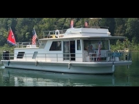 HOUSEBOAT FOR SALE - GIBSON 14' x 50' TENNESSEE