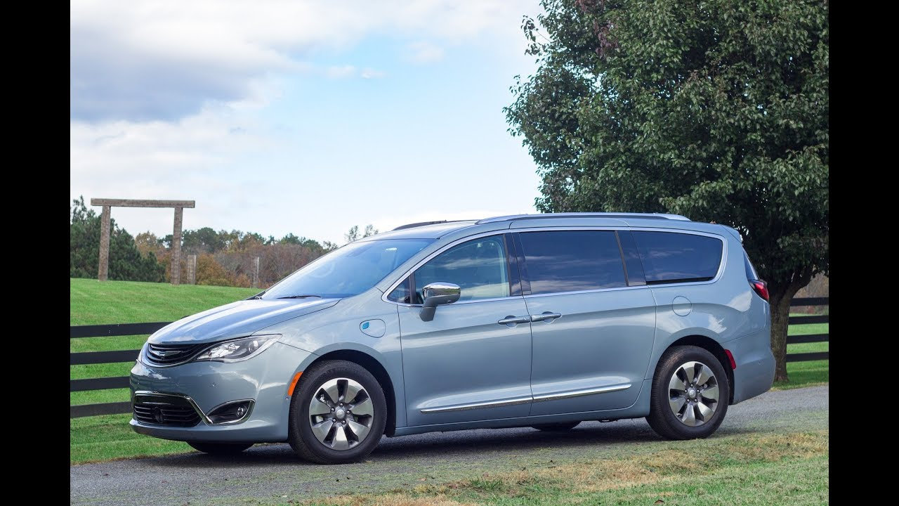 Green Car Reports >> Green Car Reports Best Car To Buy 2018 Chrysler Pacifica Hybrid Plug In Minivan
