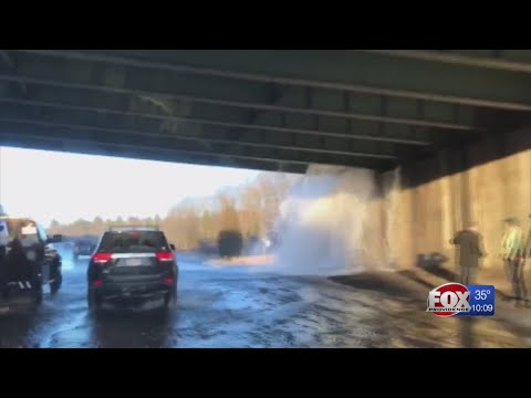 Water main break sends water gushing onto I-295