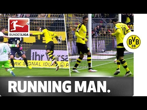 Aubameyang and Mkhitaryan do the Running Man