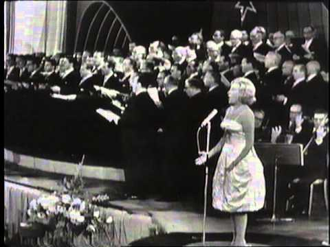 Vera Lynn - Land of Hope and Glory