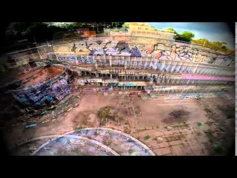 Piscinas abandonadas de castellnou rubi youtube for Piscina rubi