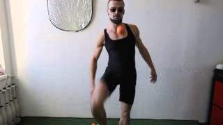 #36. Из-под ноги 1М (видео уроки по жонглированию от ПГ)