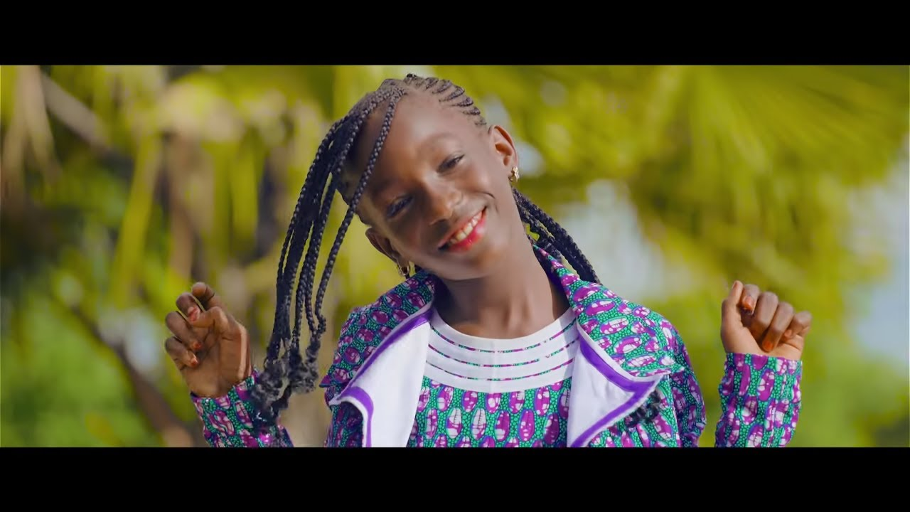 Download Mami La Star - Douawou  (Official Video)