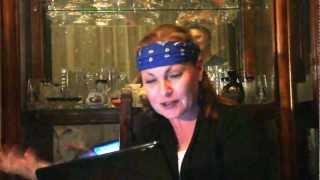 """Марта Рэйн исполняет свой стих про латиноамериканский сериал """"Аморсито..."""""""