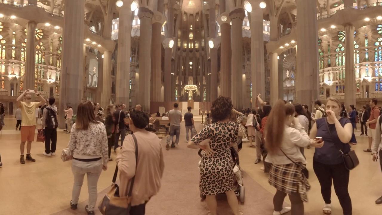 360 video: La Sagrada Familia Interior, Barcelona, Spain - YouTube