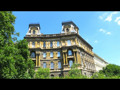 Day Out Exploring Budapest, Hungary - Travel Guide